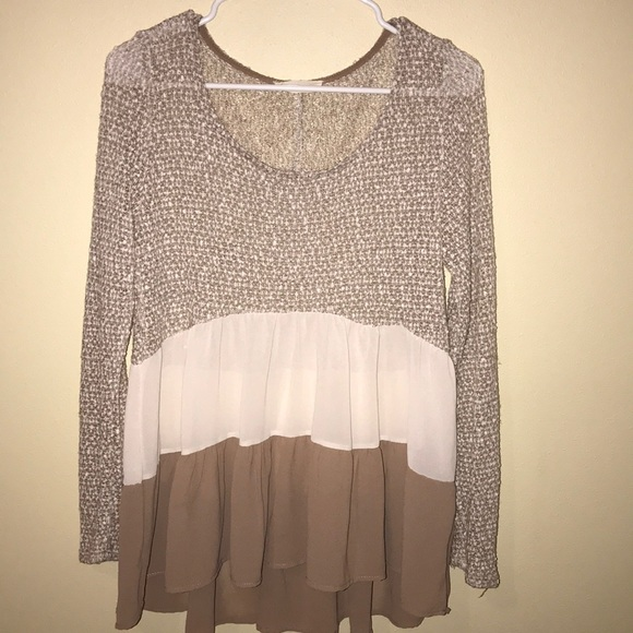 Tops - Cute flowy top